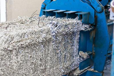 Absaugung und Sortierung von Altpapier