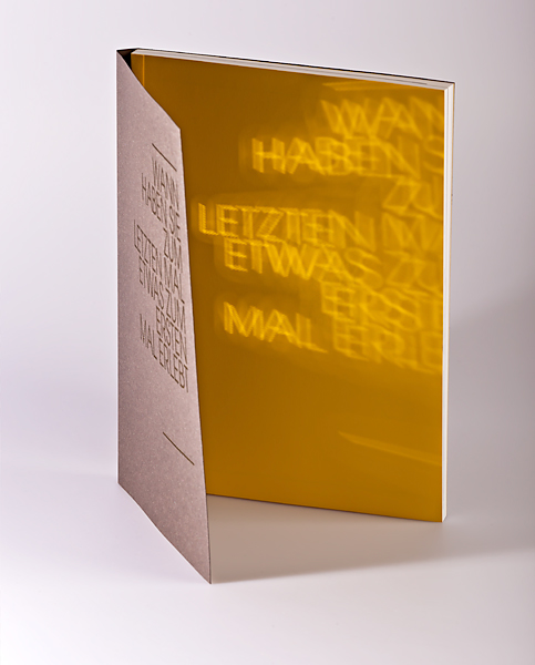 Schweizer Broschur mit lasergestanztem Umschlag